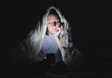 Ist social media machen uns mehr oder weniger einsam? Hängt davon ab, wie Sie es verwenden